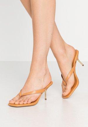 TOE STRAP HEEL  - T-bar sandals - brown