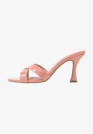 HOURGLASS HEEL MULES - Pantofle na podpatku - rose tan