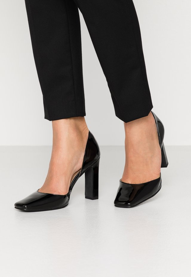 SQUARED - Lodičky na vysokém podpatku - black