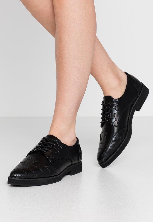 WESTERN DERBY SHOE - Šněrovací boty - black