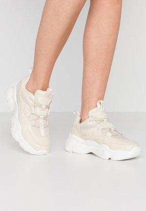 LOOP LACING STRUCTURED TRAINERS - Sneakersy niskie - nude