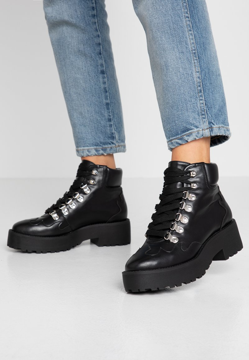 NA-KD - CLEATED WESTERN DETAIL LACEUP - Ankelboots - black