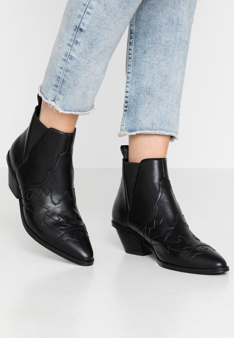 NA-KD - Boots à talons - black