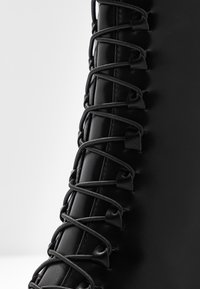 NA-KD - POINTY LACE UP BOOTIES - Lace-up ankle boots - black