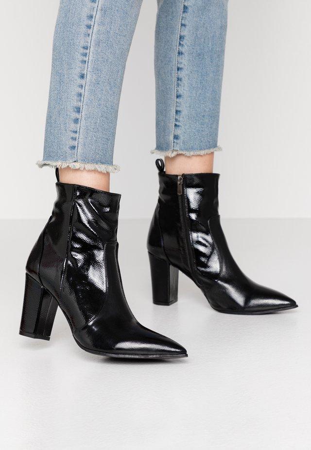 BLOCK BOOTS - Højhælede støvletter - black