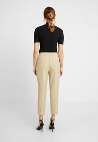 NA-KD - ELASTIC WAIST SEAMLINE PANTS - Pantalon classique - beige - 3