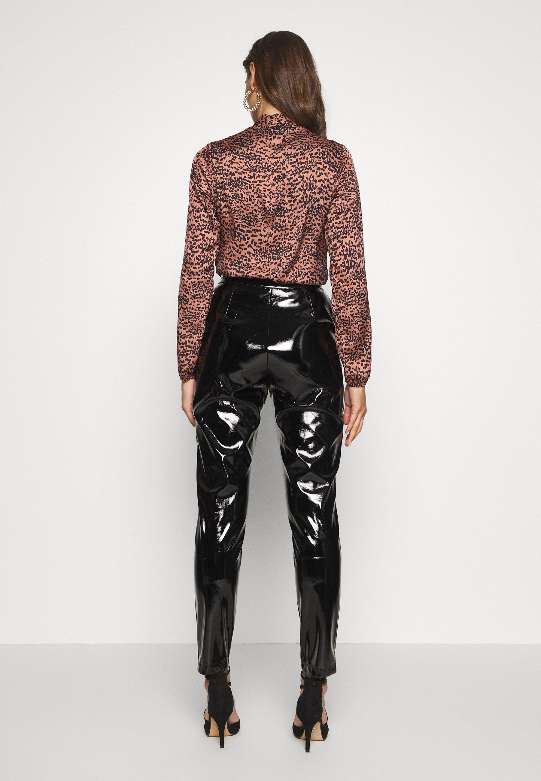 NA-KD PATENT PANTS - Spodnie materiałowe - black