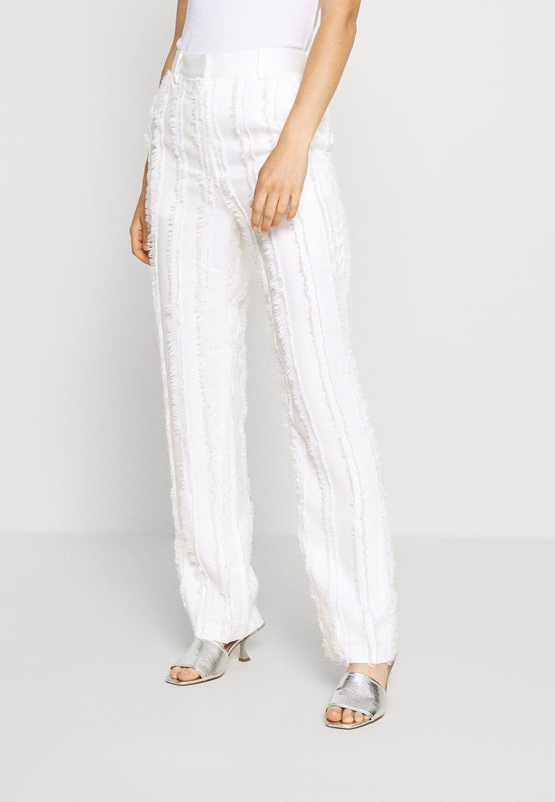 NA-KD - ZALANDO X NA-KD DETAIL SUIT PANTS - Trousers - off white