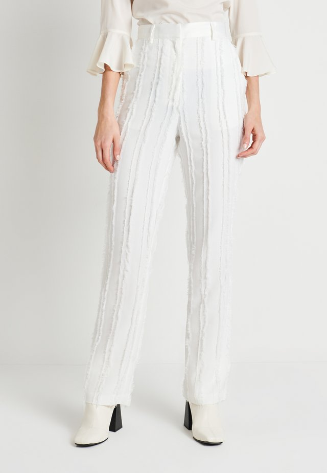 ZALANDO X NA-KD DETAIL SUIT PANTS - Kangashousut - off white