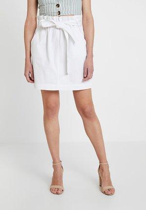 PAPER BAG WAIST SKIRT - Denimová sukně - white
