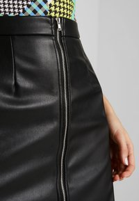 NA-KD - HOSS HIGH WAIS ZIPPED SKIRT - A-line skirt - black - 5