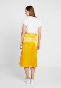 NA-KD - BIAS CUT MIDI SKIRT - A-line skirt - yellow - 2