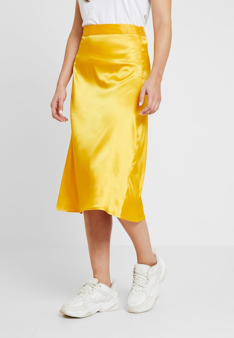 NA-KD - BIAS CUT MIDI SKIRT - Jupe trapèze - yellow