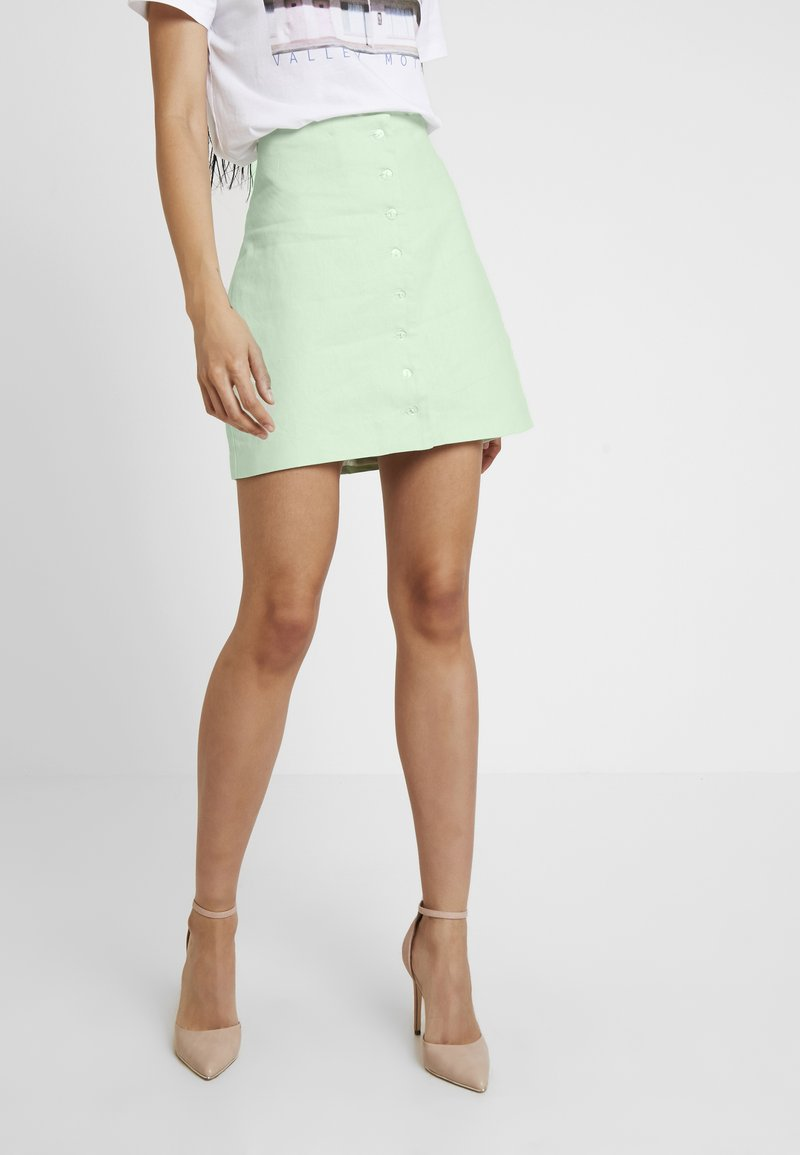 NA-KD - QUEEN OF JETLAGS FRONT BUTTON SKIRT - Áčková sukně - dusty light green