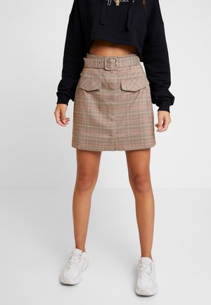 FRONT POCKET CHECKED SKIRT - Áčková sukně - brown
