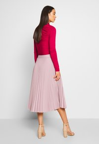 NA-KD - BELTED PLEATED SKIRT - A-line skjørt - lilac - 2