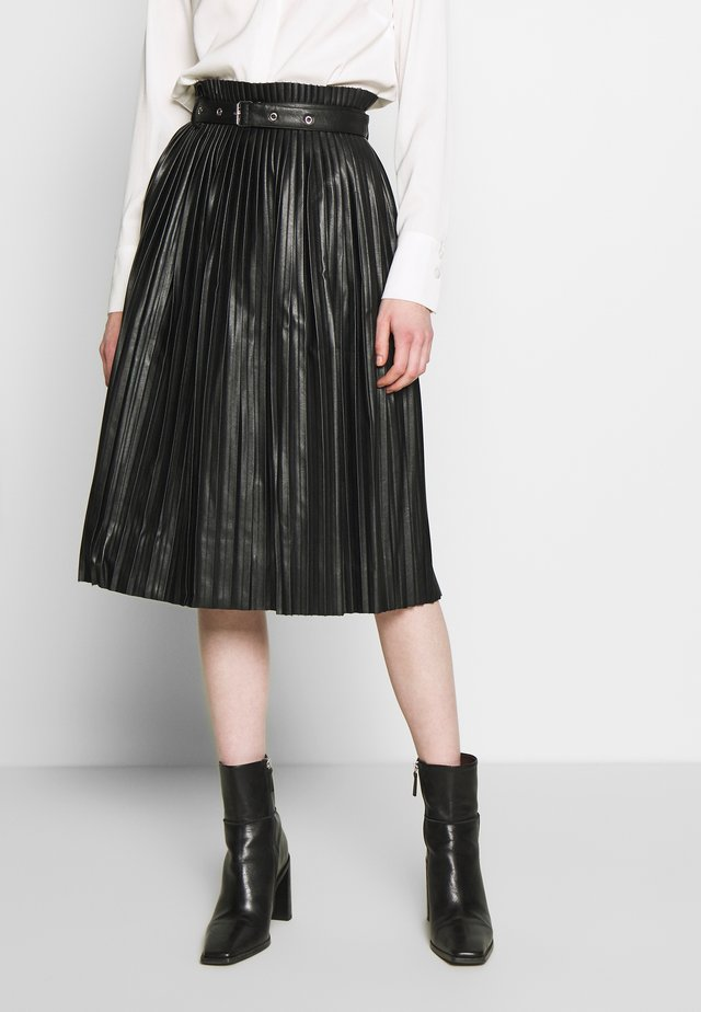 PLEATED BELT SKIRT - Minihame - black