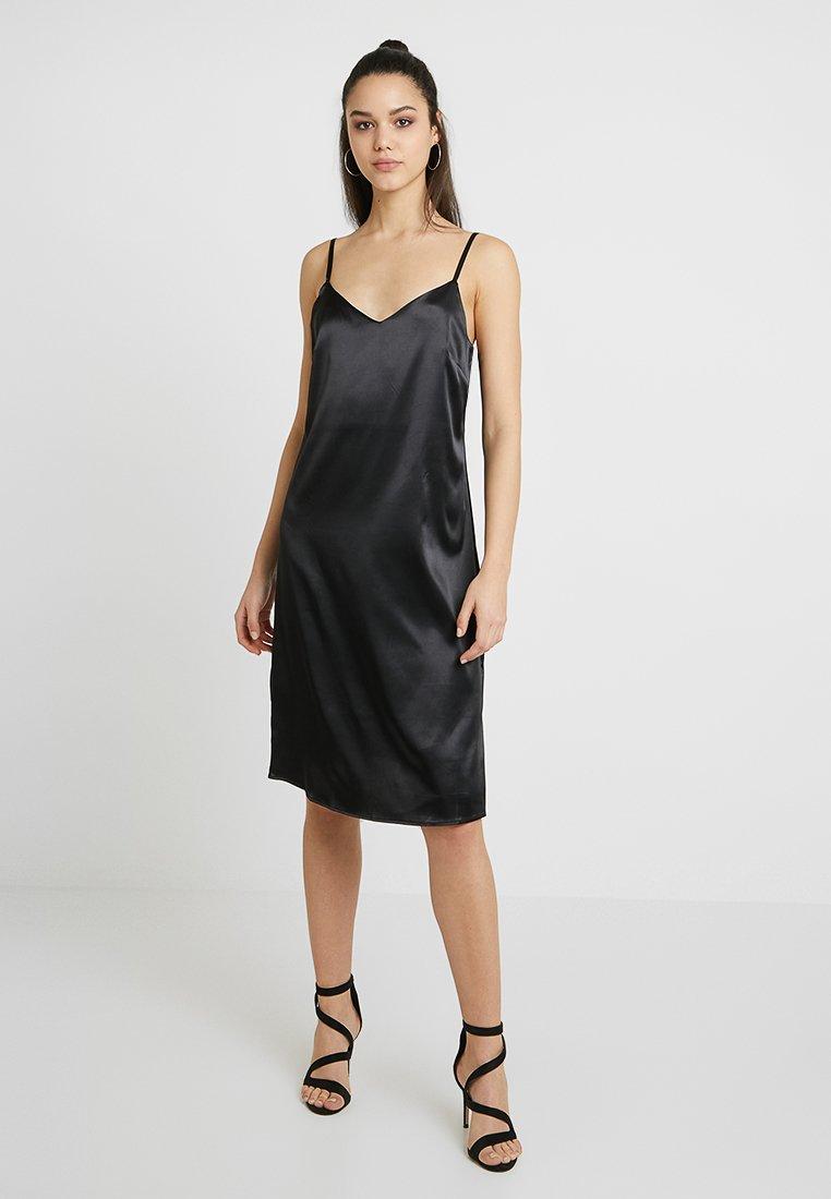 NA-KD - SLIP MIDI DRESS - Vestido de cóctel - black