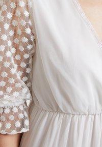 NA-KD - KAE SUTHERLAND DETAIL DRESS - Maxi-jurk - white - 6