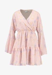 NA-KD - KAE SUTHERLAND WIDE SLEEVE MINI DRESS - Day dress - light pink - 3