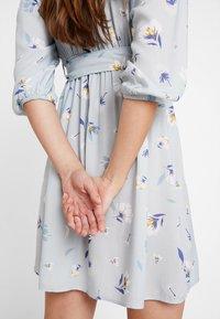 NA-KD - DEEP V MINI DRESS - Kjole - blue - 4