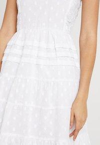 NA-KD - DOBBY DOT DRESS - Denní šaty - white - 5