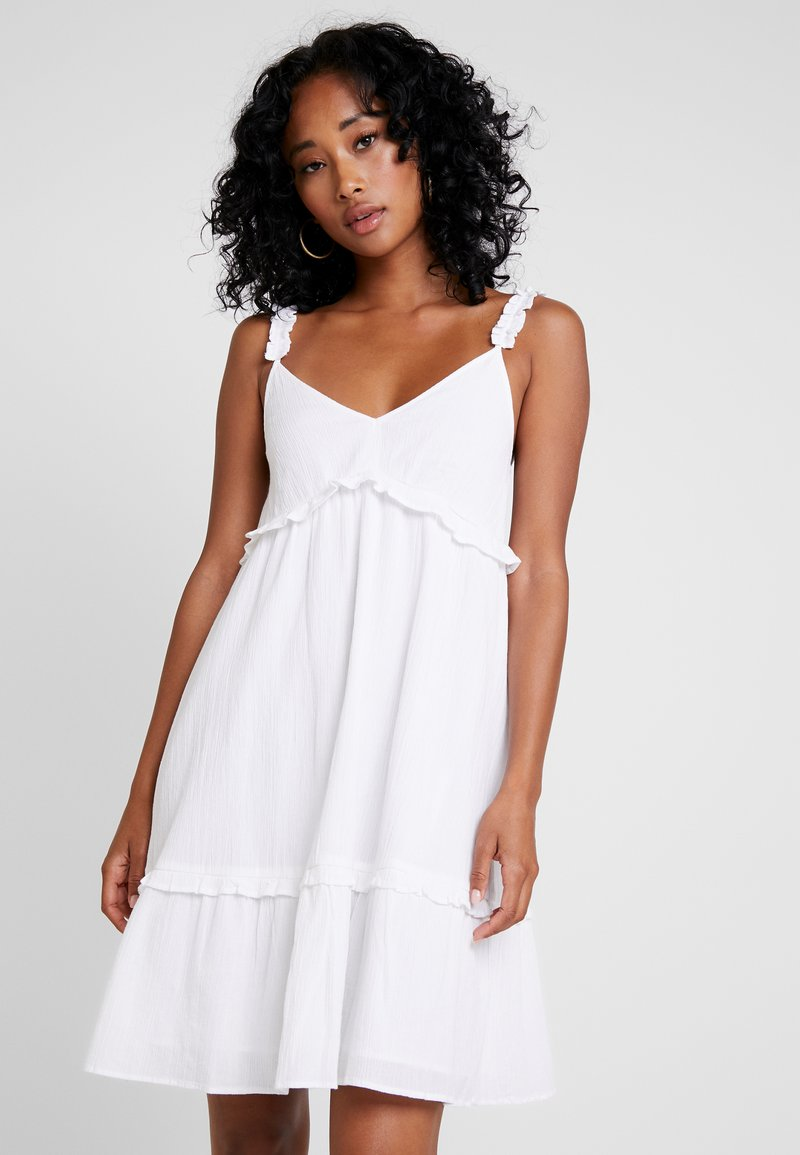 NA-KD - FRILLED MINI DRESS - Robe d'été - white