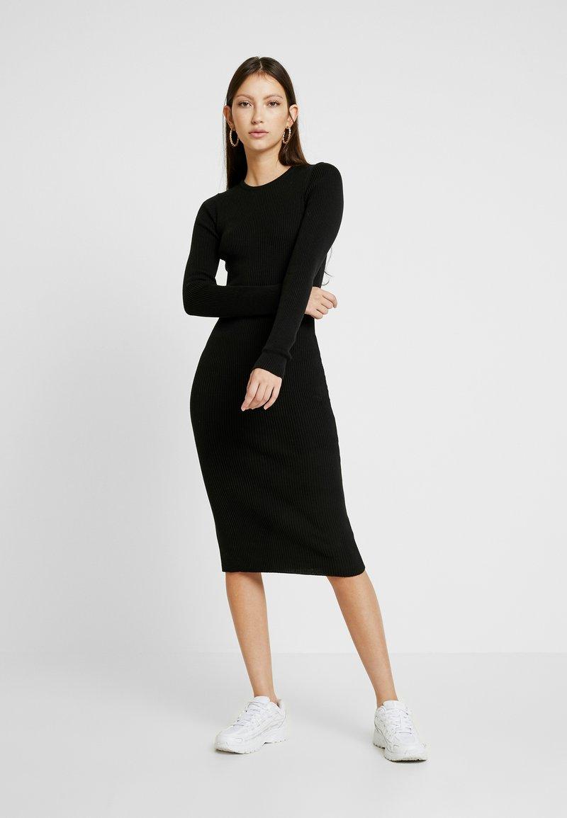 NA-KD - Gebreide jurk - black