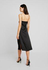NA-KD - SLIP SLIT DRESS - Denní šaty - black - 0