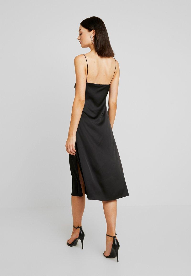 NA-KD - SLIP SLIT DRESS - Denní šaty - black