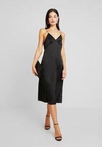 NA-KD - SLIP SLIT DRESS - Denní šaty - black - 5