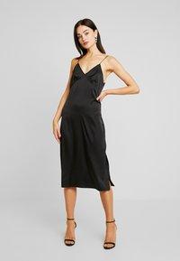 NA-KD - SLIP SLIT DRESS - Denní šaty - black - 2
