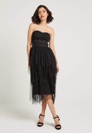x NA-KD BANDEAU DRESS - Cocktailjurk - black