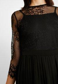 NA-KD - CONTRAST MIDI DRESS - Vestito elegante - black - 6