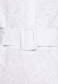 NA-KD - PUFF SLEEVE ANGLAISE DRESS - Blousejurk - white - 5