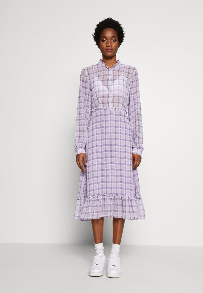 NA-KD - PLAID SHEER DRESS - Maxi-jurk - purple