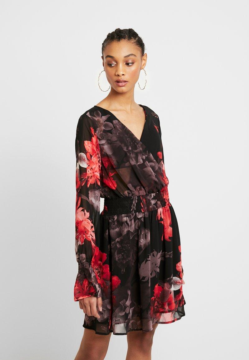 NA-KD - SMOCKED V NECK MINI DRESS - Denní šaty - multi-coloured
