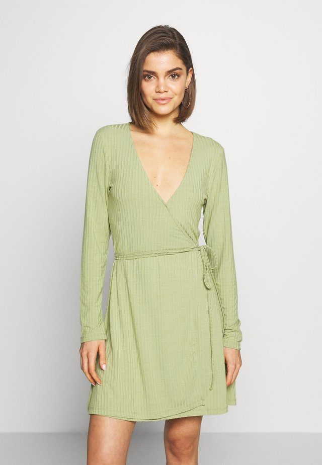 OVERLAP TIE DETAIL MINI DRESS - Trikoomekko - sage green