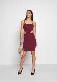 NA-KD - OPEN SIDE DETAIL DRESS - Shift dress - burgunday - 1