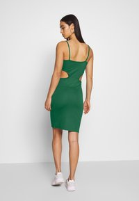NA-KD - OPEN SIDE DETAIL DRESS - Shift dress - emerald green - 2
