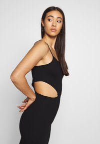NA-KD - OPEN SIDE DETAIL DRESS - Shift dress - black - 4