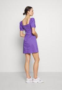 NA-KD - BUST PUFF SLEEVE MINI DRESS - Day dress - purple - 2