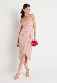 NA-KD - ZALANDO X NA-KD FRONT SLIT DRAPED DRESS - Sukienka koktajlowa - dusty pink - 2