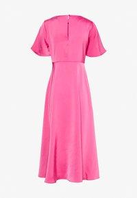 NA-KD - ZALANDO X NA-KD WIDE FLOWY SLEEVE MIDI DRESS - Day dress - cerise - 6