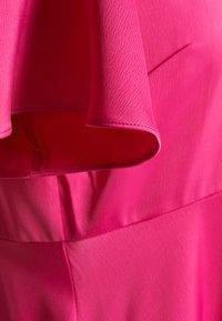 NA-KD - ZALANDO X NA-KD WIDE FLOWY SLEEVE MIDI DRESS - Day dress - cerise - 5