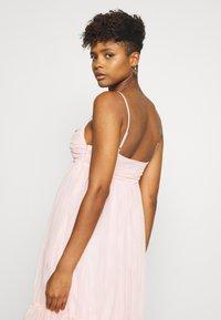NA-KD - ZALANDO X NA-KD VOLUME DRESS - Sukienka koktajlowa - dusty pink - 4
