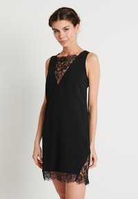 NA-KD - ZALANDO X NA-KD V-NECK DETAIL DRESS - Juhlamekko - black - 0