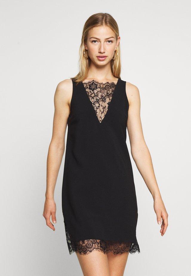 V-NECK DETAIL DRESS - Denní šaty - black