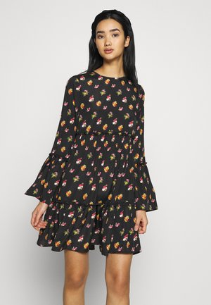 FLOUNCED DRESS - Robe d'été - black/orange