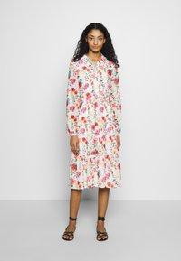 NA-KD - RUFFLED MIDI DRESS - Košilové šaty - multicoloured - 0